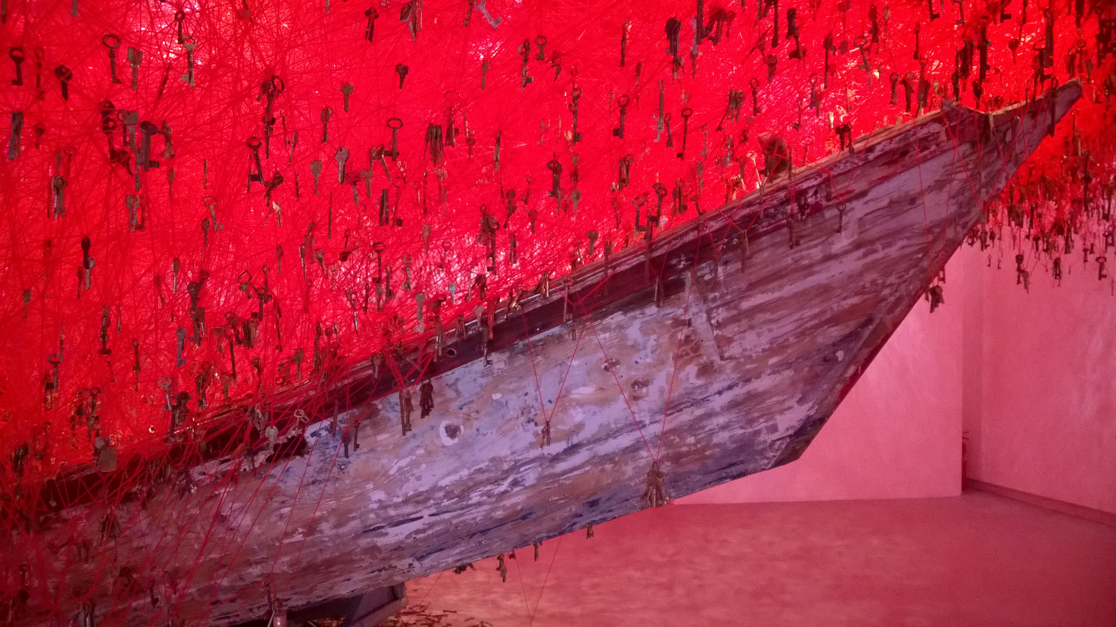 4 The Key in the Hand detail of installation by Chiharu Shiota, Japan Pavilion